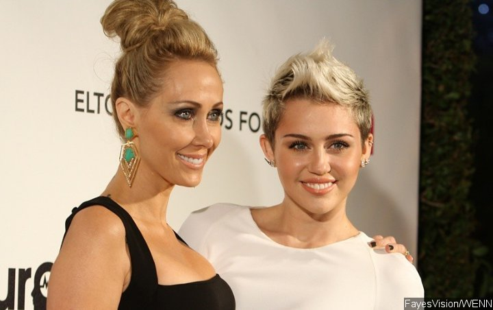 Find Out How Miley Cyrus' Mom Gets Her Back Into Smoking Weed