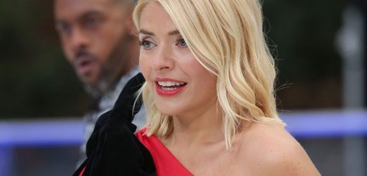 Holly Willoughby is gagging for romance for Dancing On Ice stars