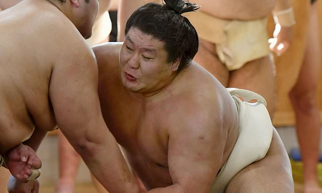 Sumo star quits the sport after assaulting a younger wrestler