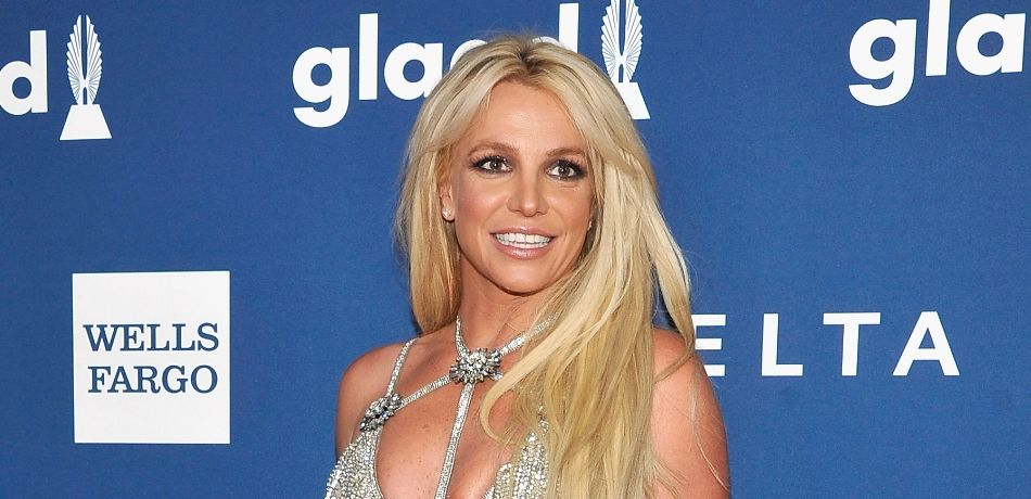 Britney Spears Belts Out A High-Pitched 'White Christmas' In Cute Instagram Video