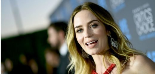 Emily Blunt Says She Hated Flying For 'Mary Poppins Returns' Role: 'It Was Totally Terrifying'