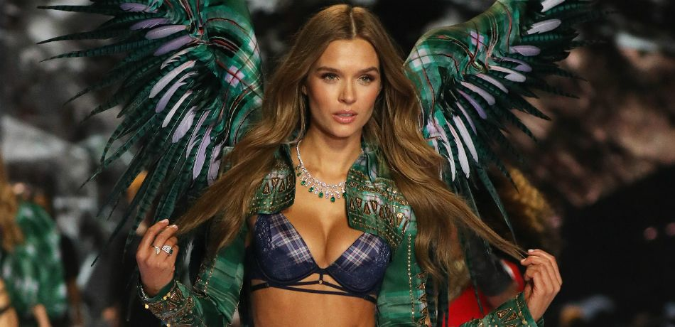 Josephine Skriver Flaunts Abs And Plenty Of Cleavage In New Instagram Snap
