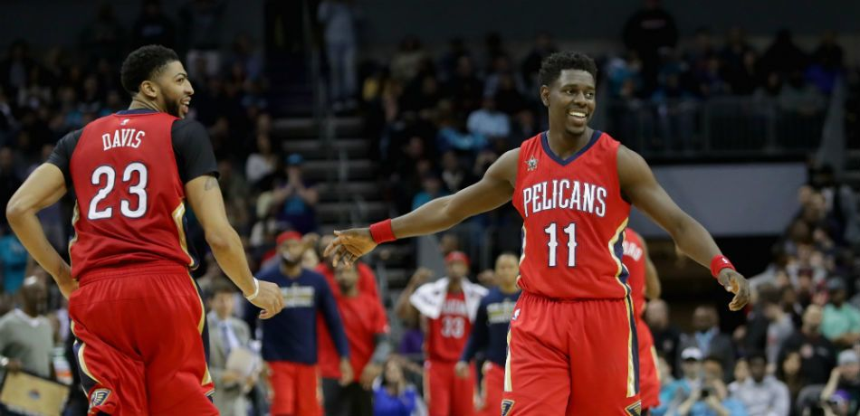 Jrue Holiday Is Taking Advantage Of New Orleans Pelicans Teammate Anthony Davis' Freakish Athleticism