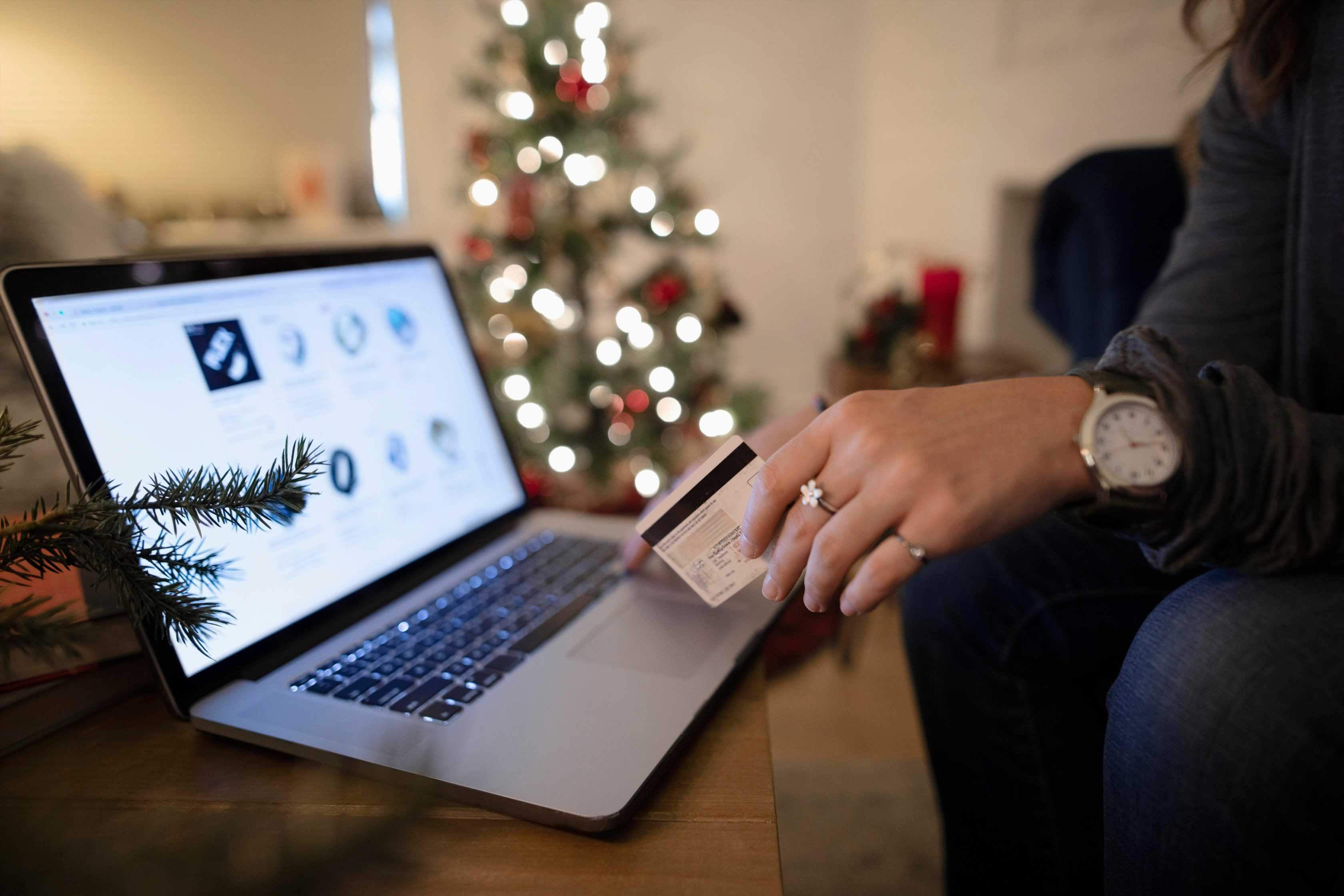 Fears of Christmas shopping chaos as banks introduce new 'ultra secure' payment system