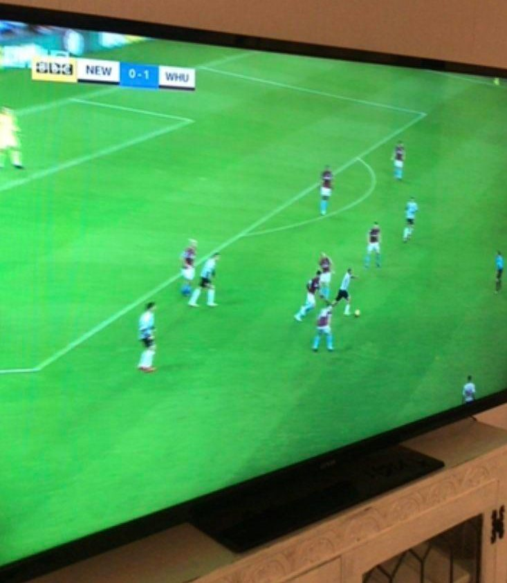 The brilliant way a woman helped her stranded boyfriend watch Match Of The Day