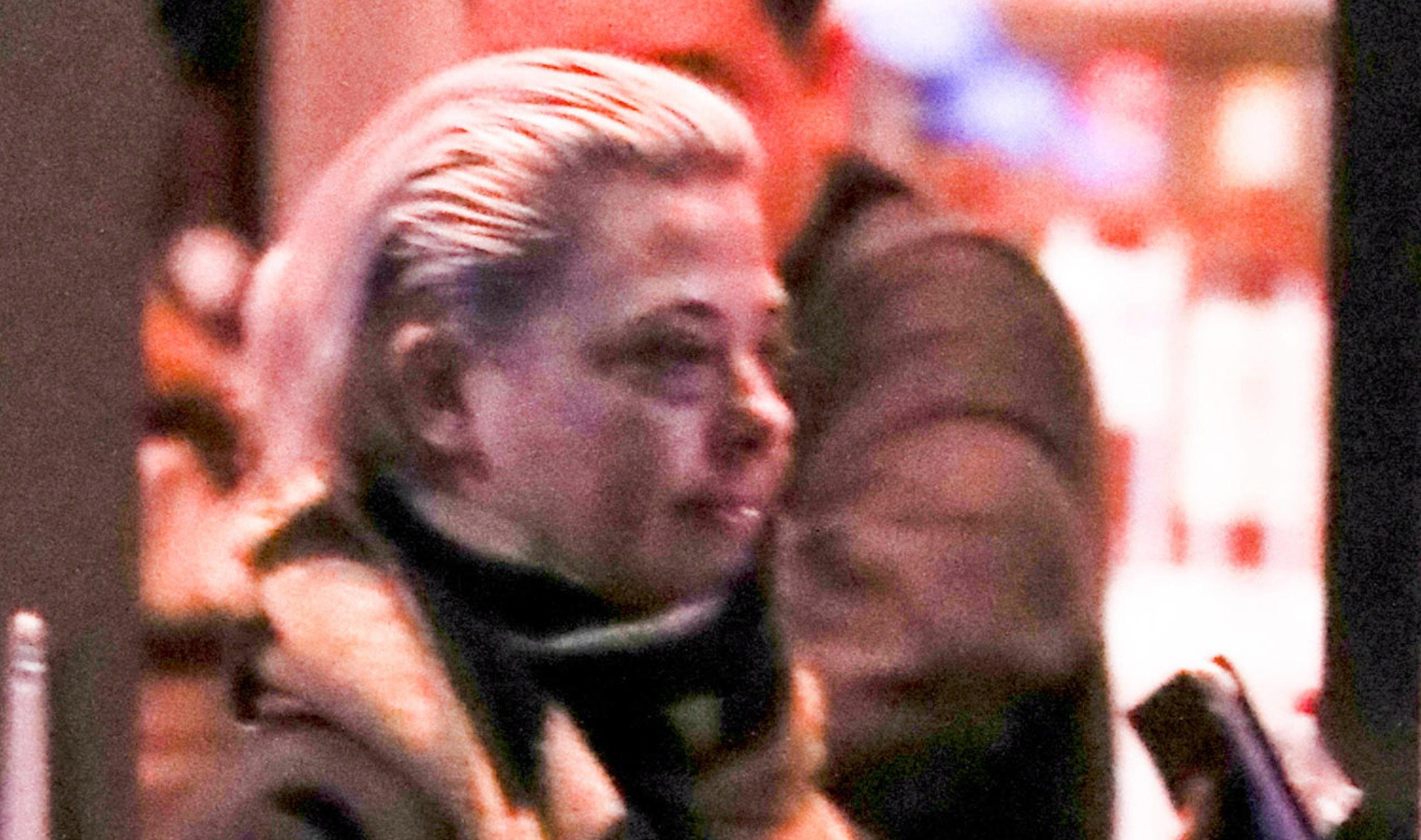 Lisa Armstrong goes make-up free as she stocks up on booze at local wine shop ahead of first Christmas without Ant McPartlin