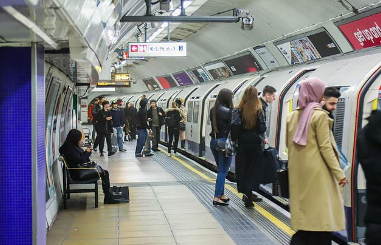 Jihadis plotting chemical weapons attack in Britain and 'could launch chlorine bomb on London Underground'