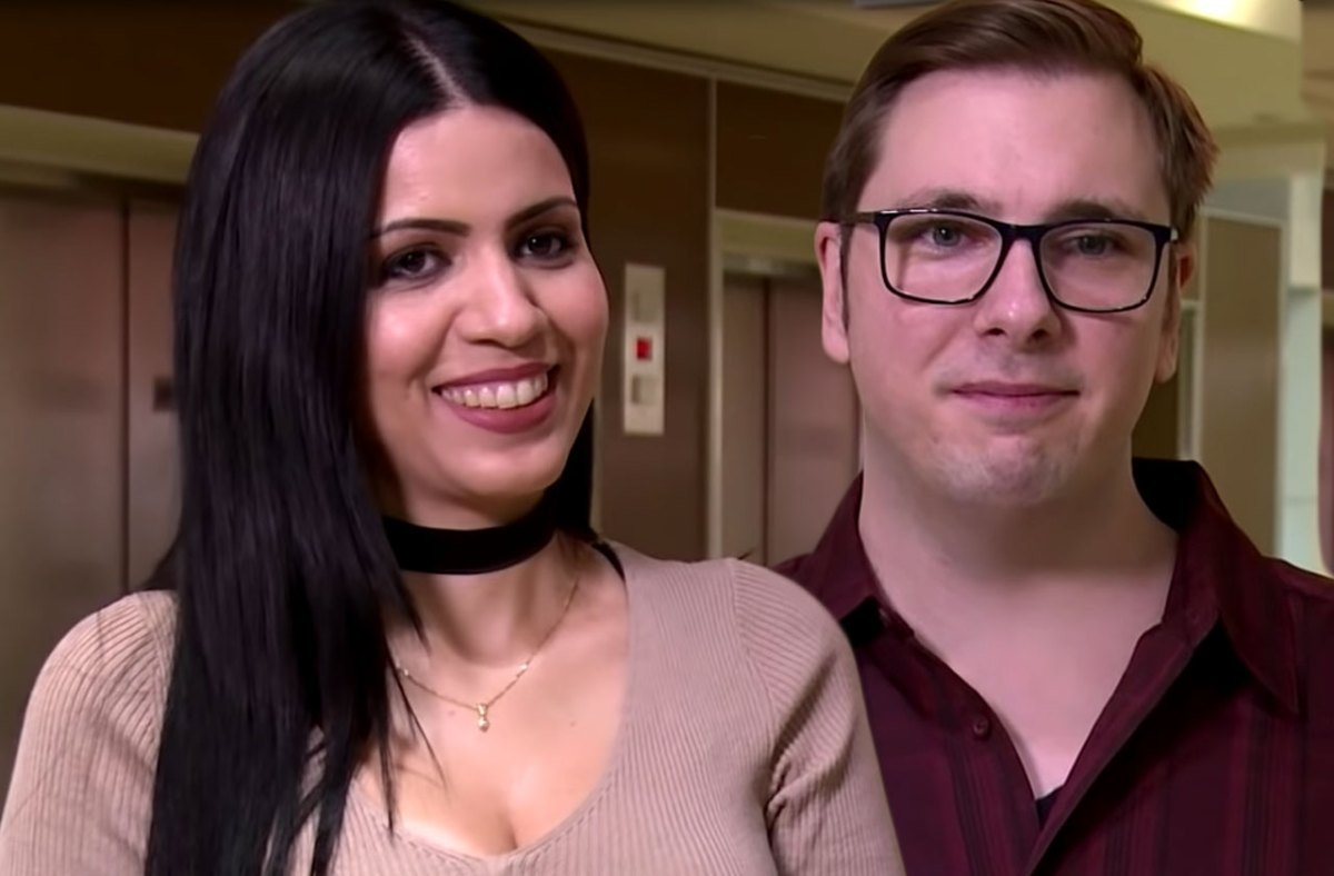 It's Official! '90 Day Fiancé's Colt & Larissa ARE Married Despite Her Battery Arrest