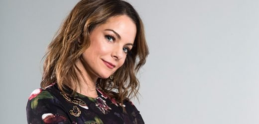 Kimberly Williams Paisley Talks Working With 'Rocking' & 'Cool' Santa Kurt Russell In 'The Christmas Chronicles'