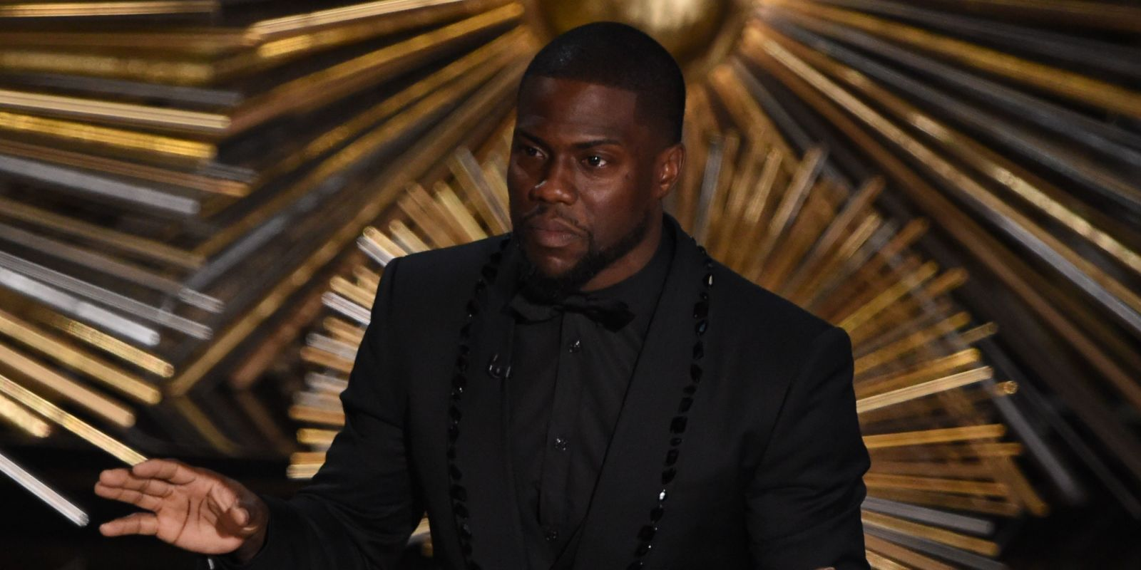 "Kevin Hart is getting the ""opportunity of a lifetime"" as he's confirmed to host the 2019 Oscars"