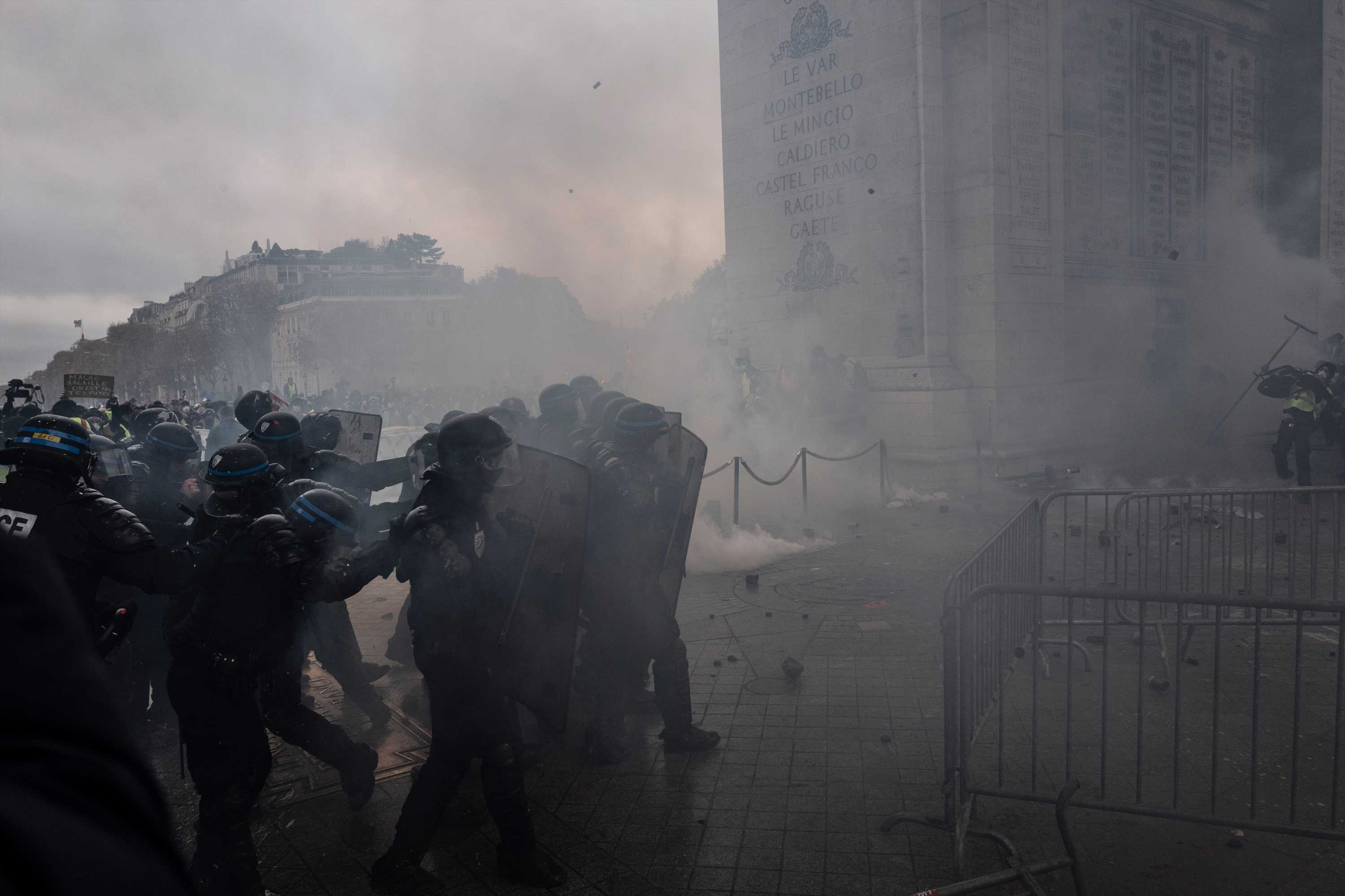133 injured and 412 arrested amid Paris riot