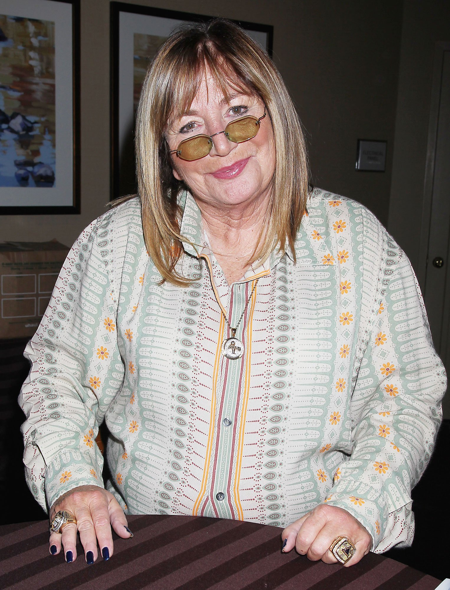 Billy Crystal, Rosie O'Donnell and More React to Penny Marshall's Death at 75: 'I Loved Her'