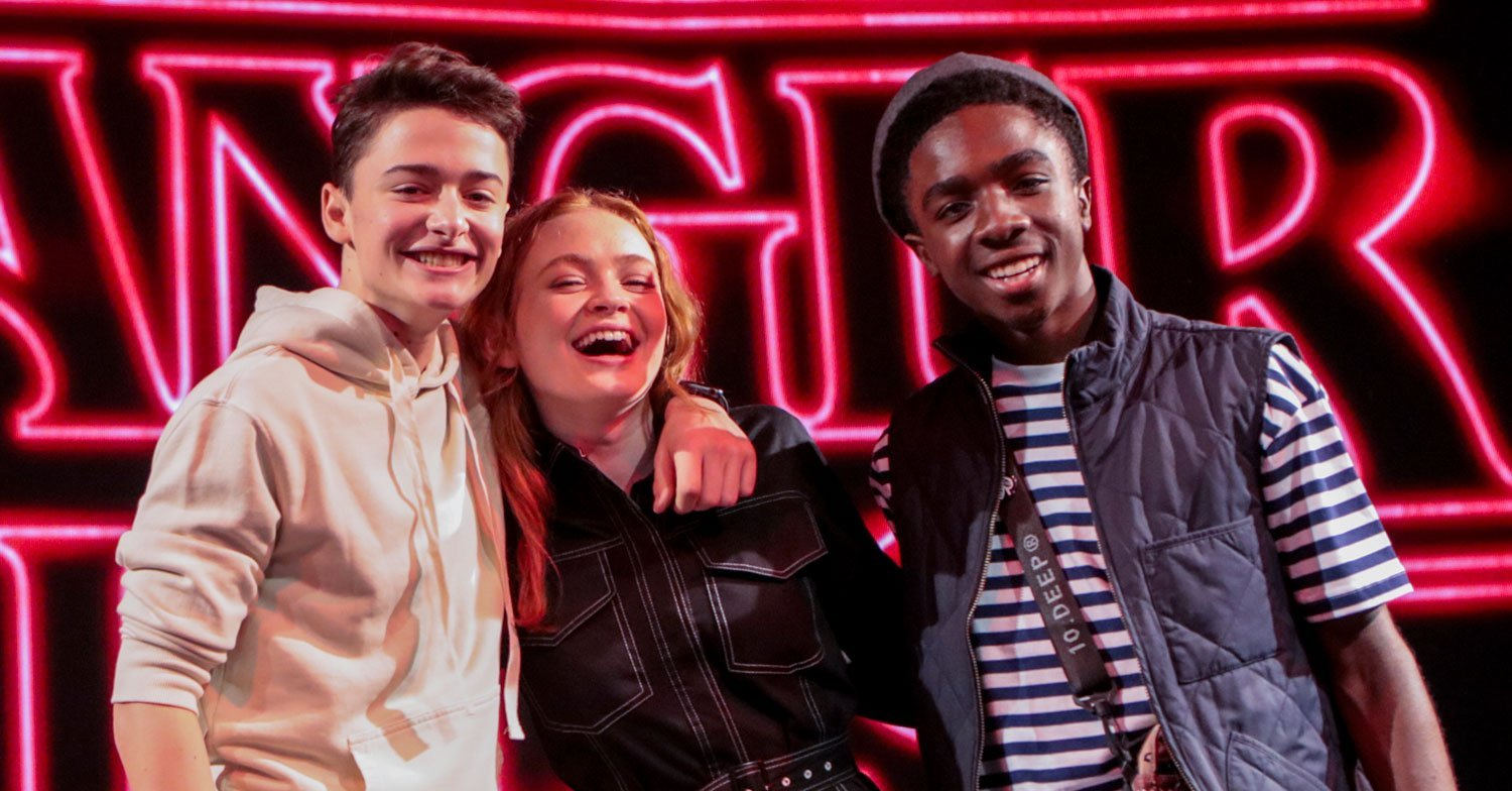 'Stranger Things' Cast Debuts New Season 3 Teaser During Comic Con! (Video)