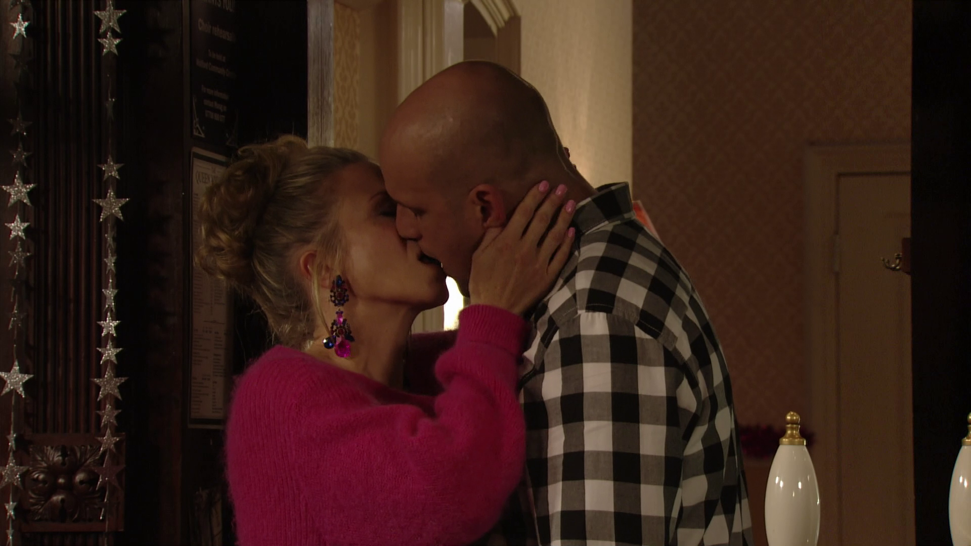EastEnders viewers sickened as Linda Carter prepares to have sex with Stuart Highway after they kiss again