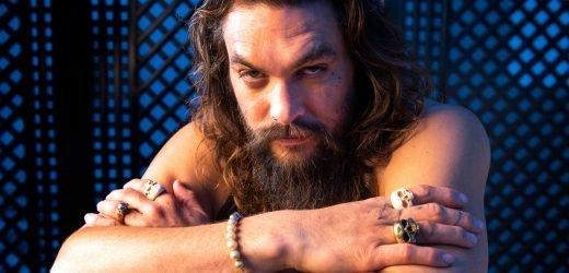 'Aquaman' Jason Momoa reveals mysteries, from his love of pink to his smoldering 'SNL' eyes