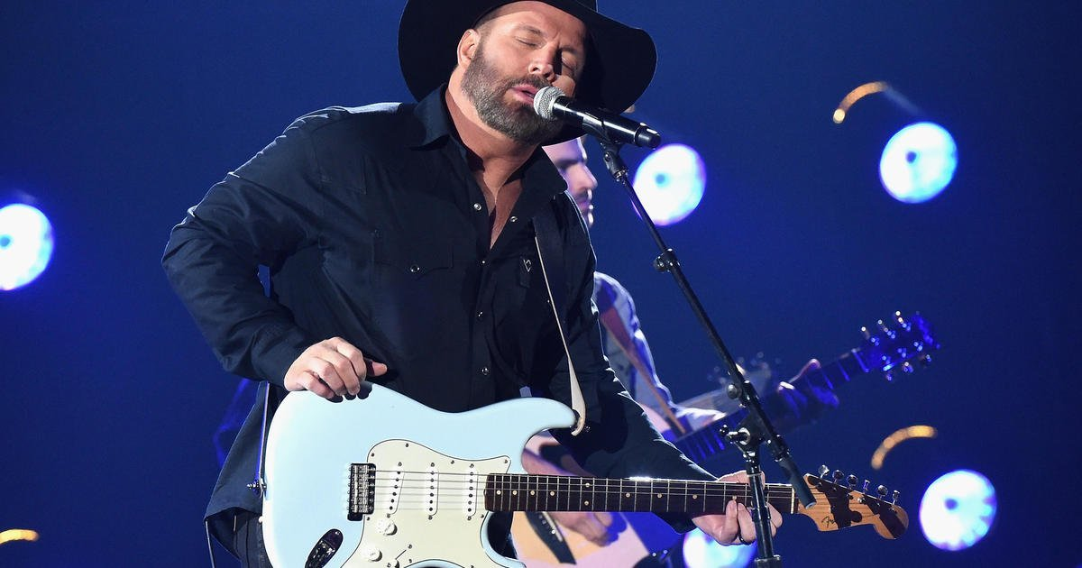 How to watch Garth Brooks concert from Notre Dame
