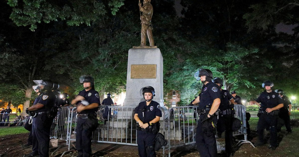 Hundreds of UNC students protest plan to relocate toppled Confederate statue Silent Sam