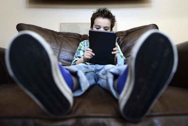 Heavy screen time appears to impact children's brains: Study