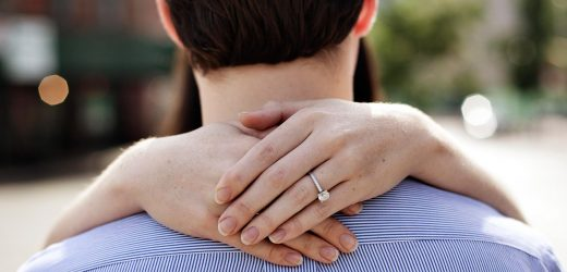 Cheating boyfriend proposes to the wrong woman on New Year's Eve – but decides to go ahead with the wedding anyway
