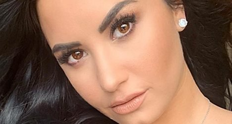"Demi Lovato Disses ""#10YearChallenge"" … But Tries to Make a Deeper Point"