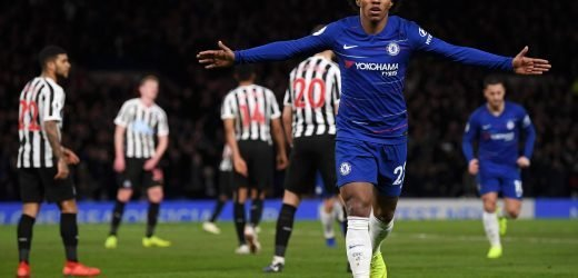 4am Chelsea news: Willian commits to Blues, Higuain move blocked and Sarri wants Fabregas replacements