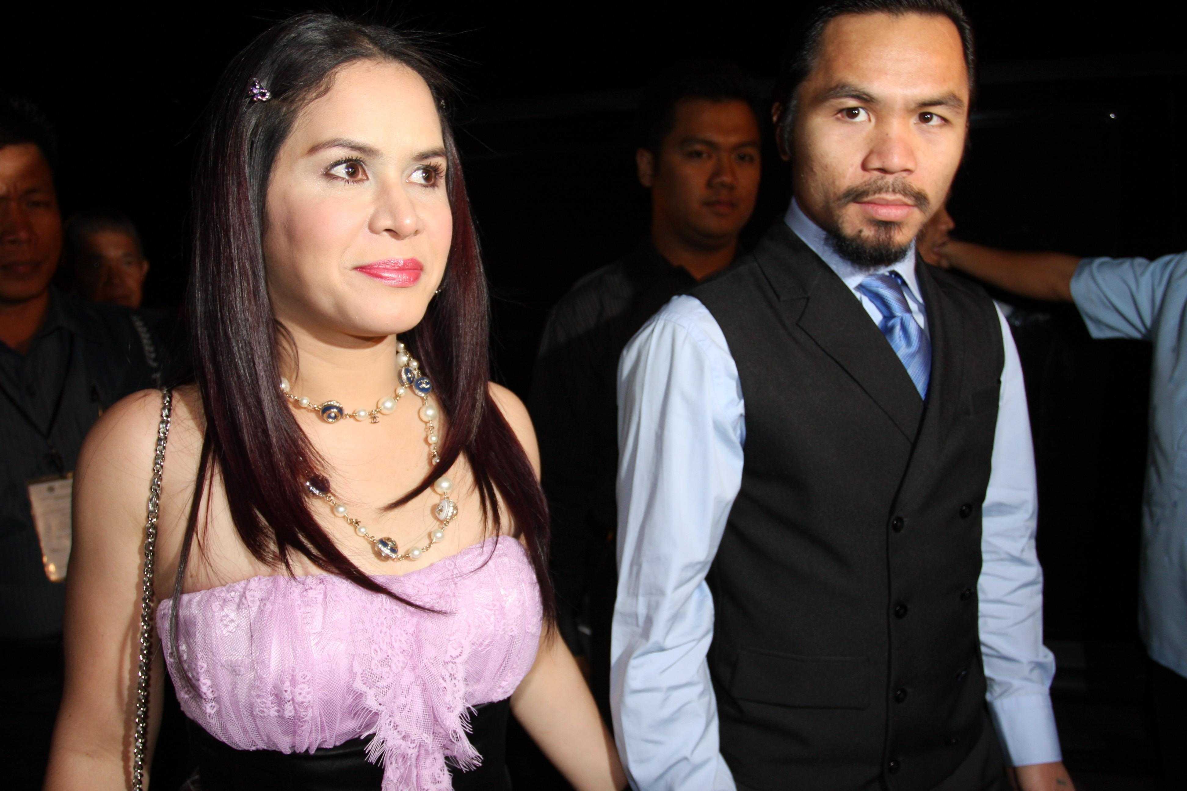 Who is Manny Pacquiao's wife Jinkee and how many children do they have?