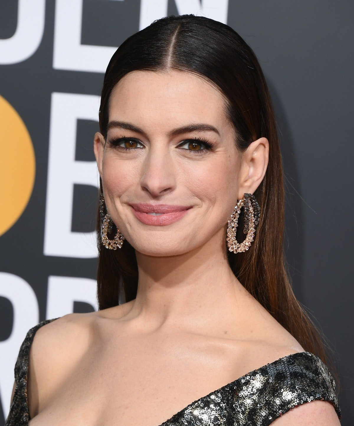 Anne Hathaway Is Giving Up Drinking For 18 Years For This Sweet Reason