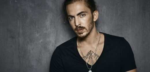 Israeli Artist Dennis Lloyd Signs With Arista Records