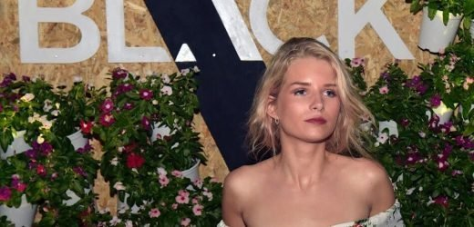 Lottie Moss Lost Her Expensive Chihuahua At A Christmas Party