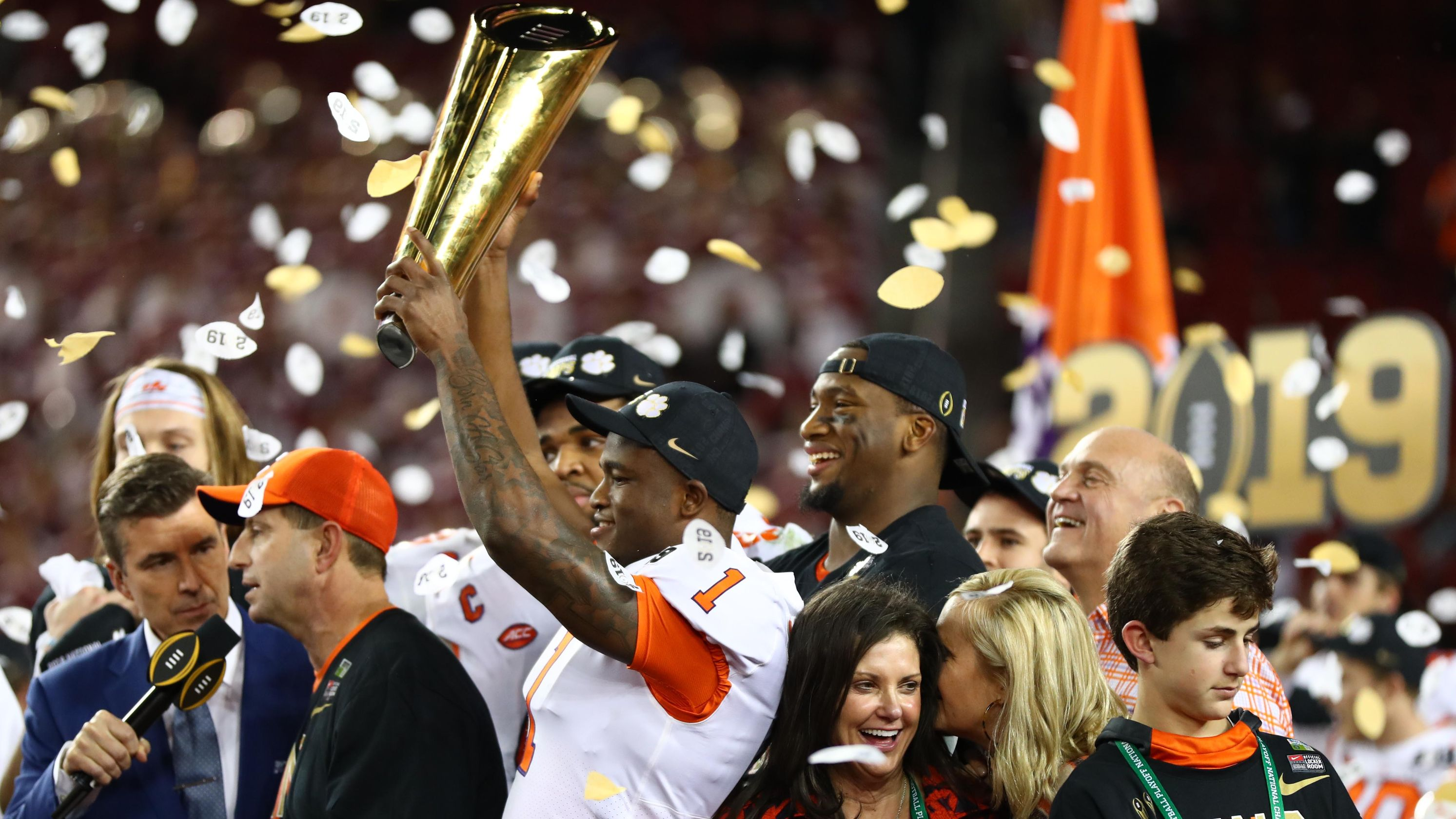 Donald Trump tweets that national champion Clemson football team will visit White House