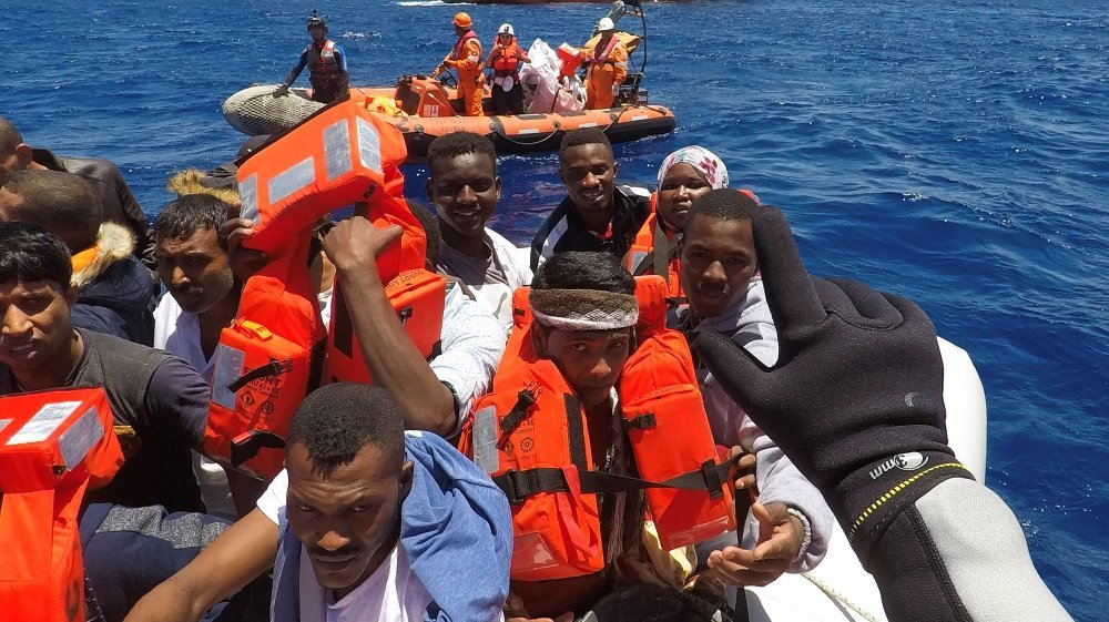 Italy: Some 1,400 refugees rescued at sea