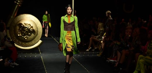 Versace Gives Us a Nostalgia-Fueled Carrie-Meets-Samantha Mashup For Fall