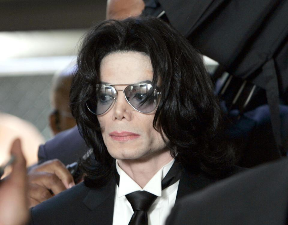 Michael Jackson sex abuse jury 'were convinced star WAS a paedophile but didn't have enough evidence to prove his crimes'