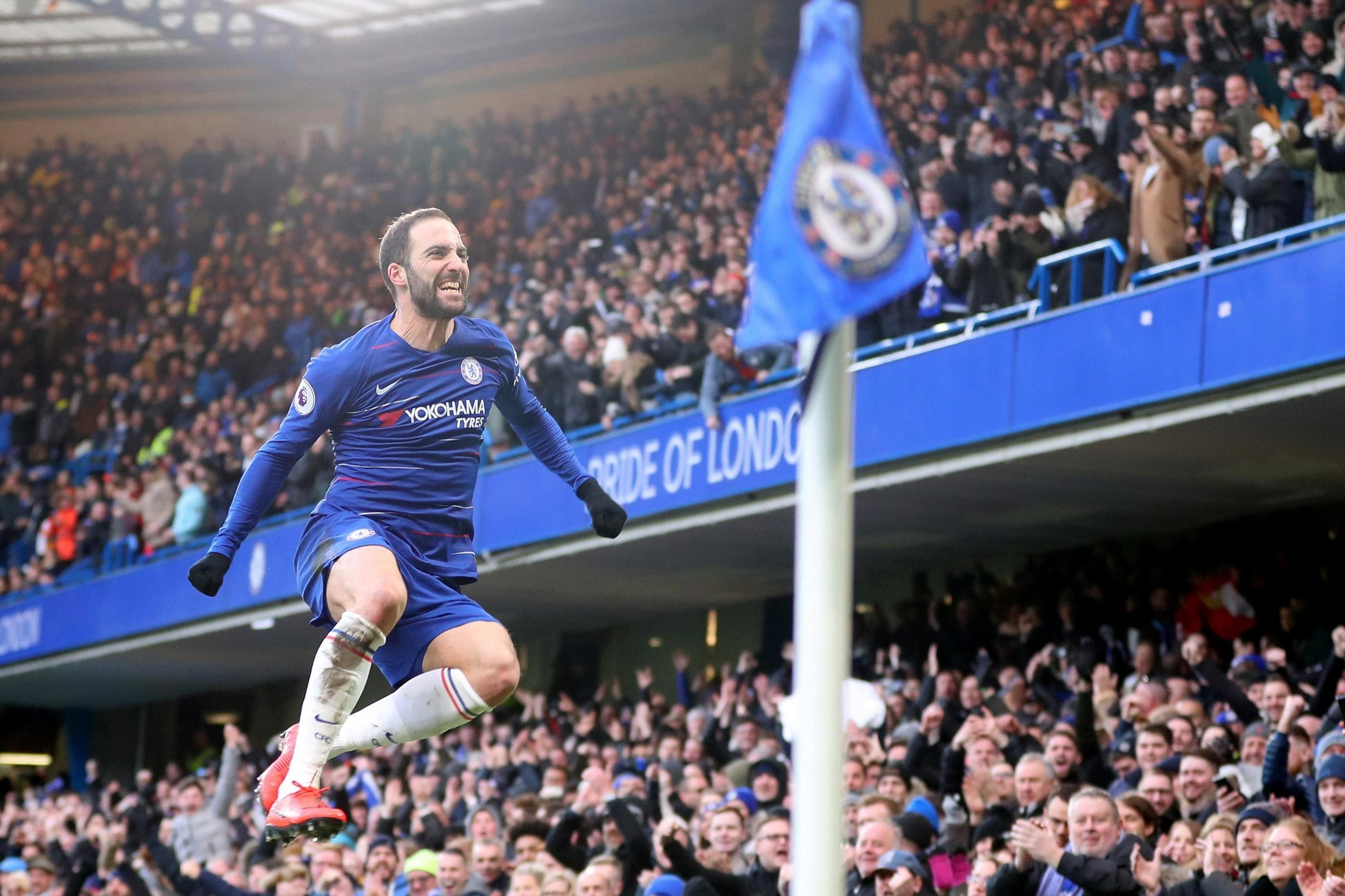 Chelsea fans delighted after Higuain adds to remarkable record under Sarri