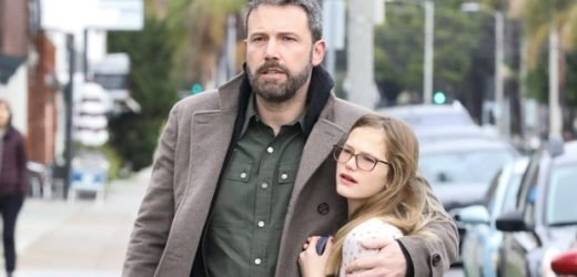 Ben Affleck & Jennifer Garner Prove They've Got Co-Parenting Down While Out With Kids