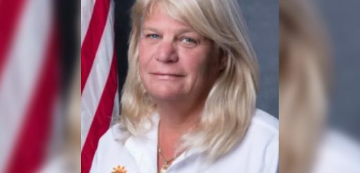 Politician accused of licking male co-workers' faces resigns