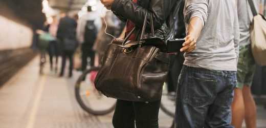 How pickpockets target distracted New Yorkers