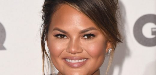 "Chrissy Teigen Hilariously Shuts Down Troll Telling Her to Post ""Bikini Pics Only"""