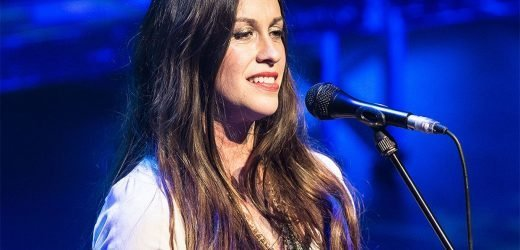 Alanis Morissette, 44, announces pregnancy with stunning bump portrait