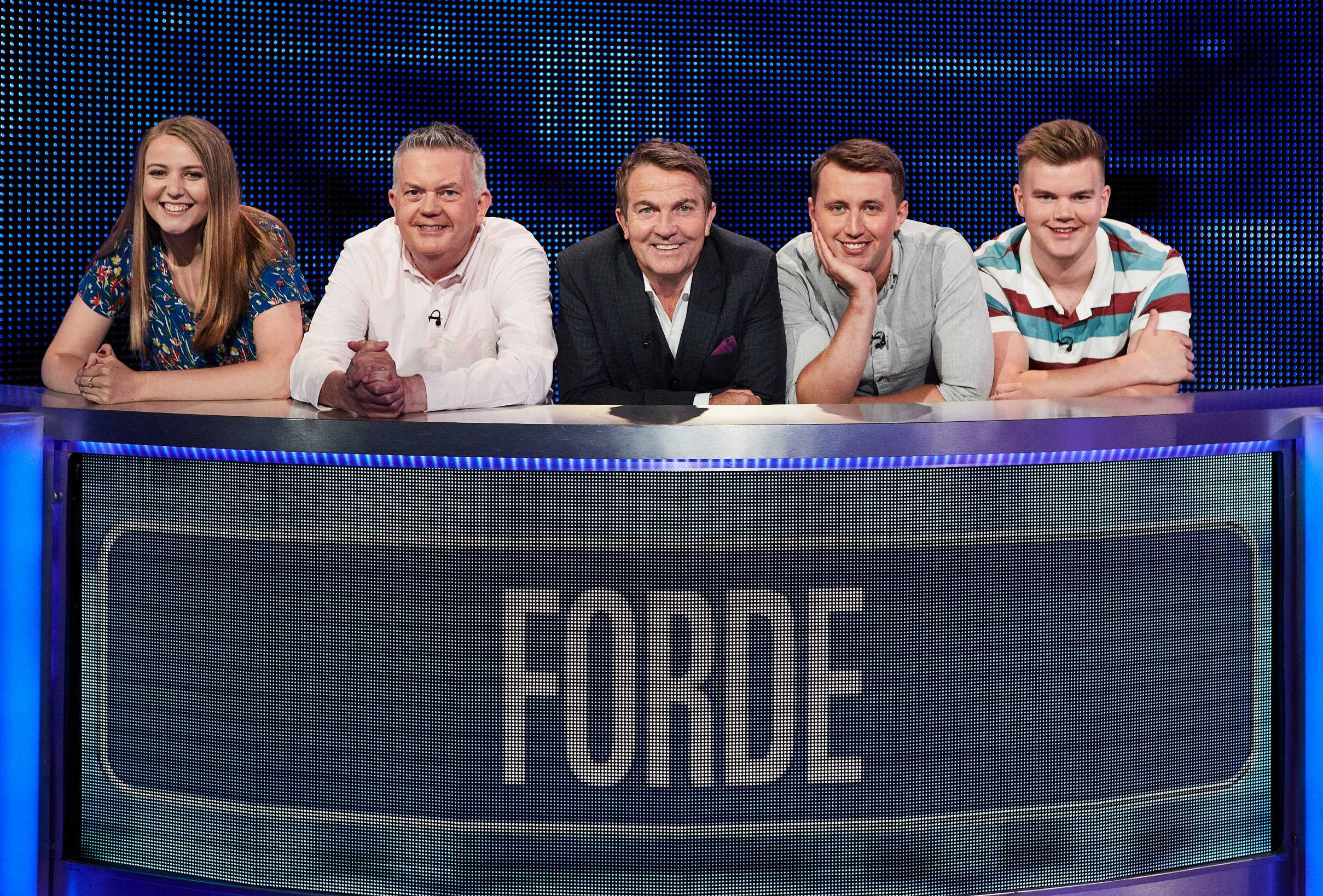 When is the Family chase on tonight, how is it different from the Chase and is Bradley Walsh Walsh hosting?
