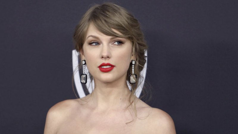 Taylor Swift stalker arrested after allegedly breaking into star's home again