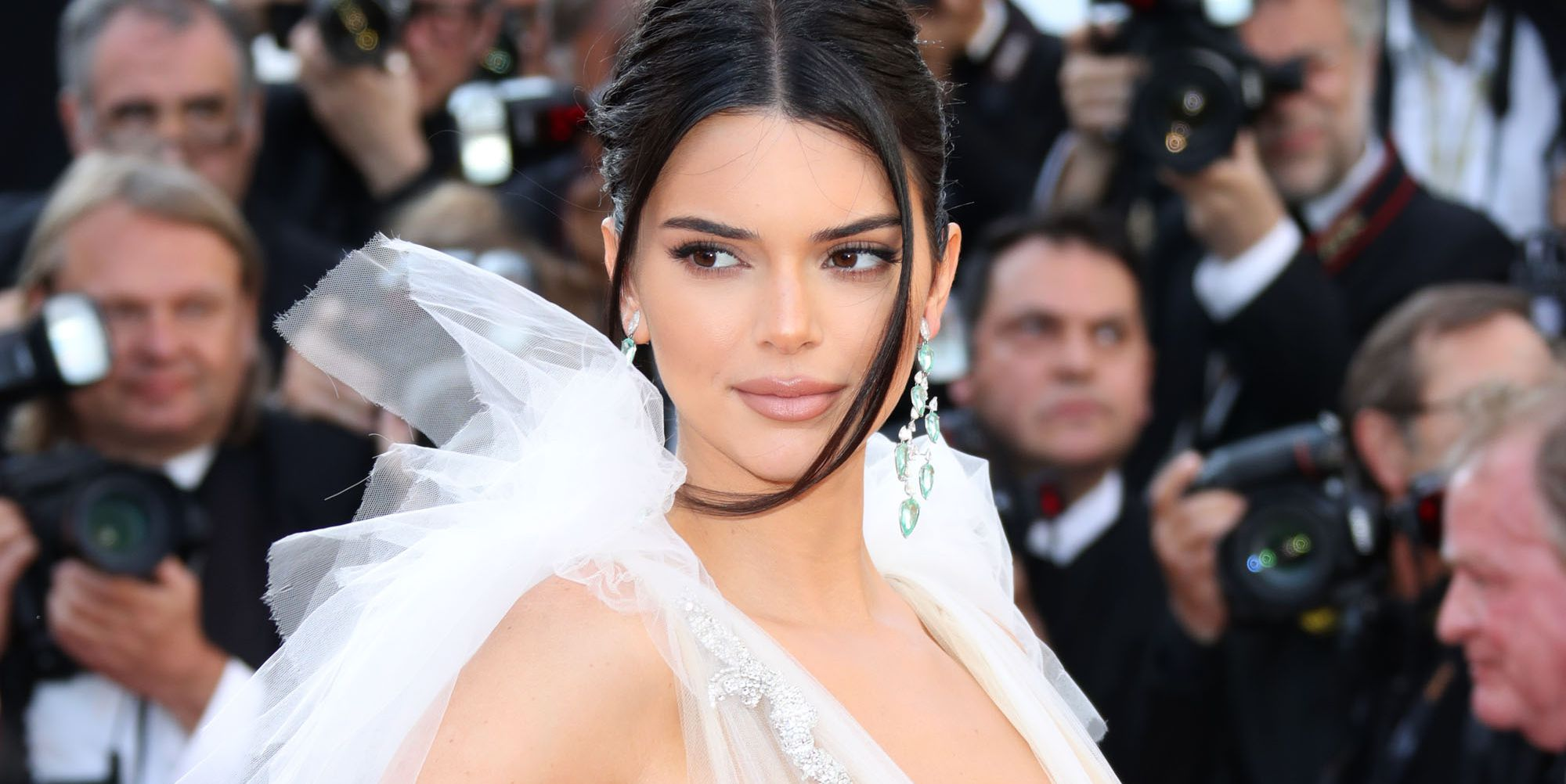 Kendall Jenner Just Posted A Selfie Of Herself Using A Pet Snake As A Hair Scrunchie