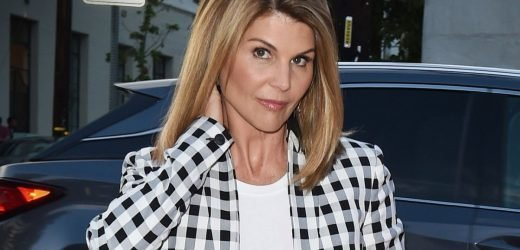 Lori Loughlin Ordered To Be Released On $1 Million Bond In College Admissions Scam