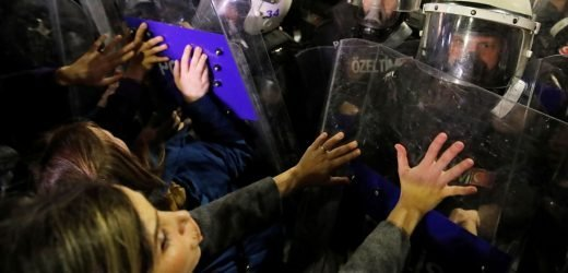 Clashes as International Women's Day marked in Istanbul