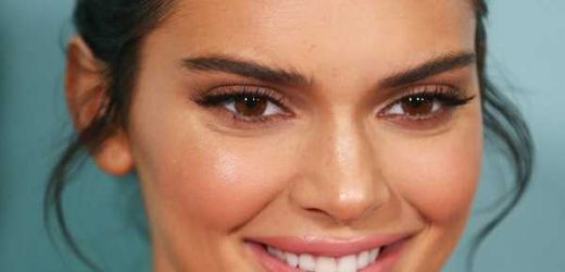 Kendall Jenner Posted A Family Photo With A Joke About How She's Different From Her Siblings
