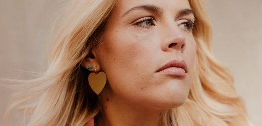 How Busy Philipps Turned 'You Know Me' Into #YouKnowMe