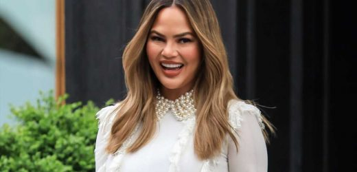 Chrissy Teigen Would Appreciate if People Could Stop Asking if She's Pregnant, Okay?!