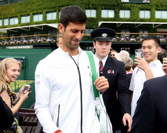 Novak Djokovic's team 'furious with Wimbledon 2019 fans for lack of respect' ahead of Roger Federer final – The Sun