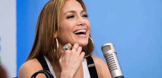 Jennifer Lopez Offers a Lesson in Pole Dancing in First Hustlers Trailer
