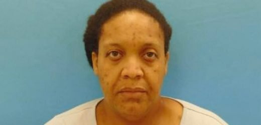 Texas woman lived with mother's skeletal remains for 3 years